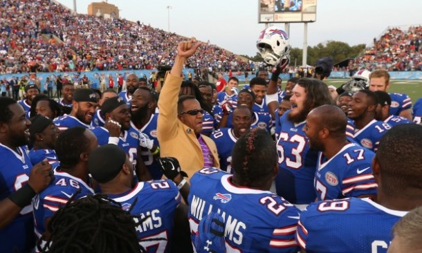 Players rallied around Andre Reed before the game!  - Photo via