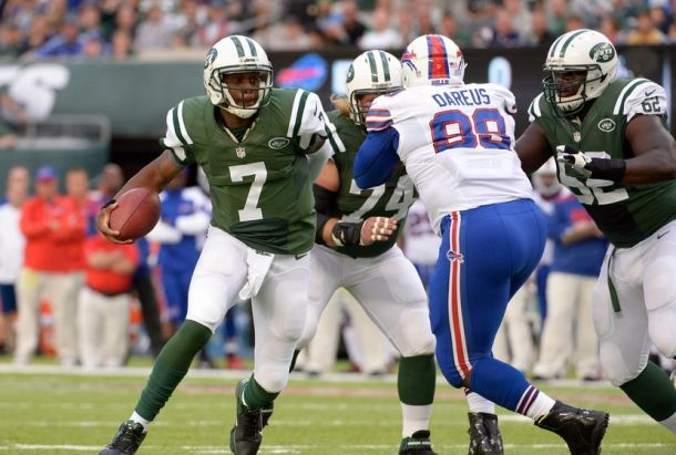 Geno Smith didn;t see much time last week, due to 3 turnovers in the First quarter! - Photo via fansided.com