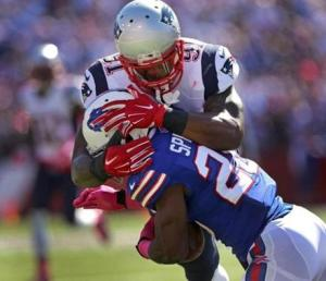 The Patriots did a great job of shutting down Buffalo's run game! - Photo via duelingcouches.blogspot.com