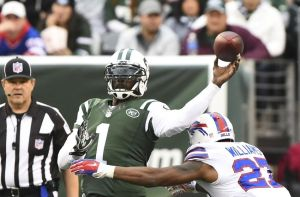 Vick held his own but in the end had three turnovers himself. - Photo via thejetpress.com