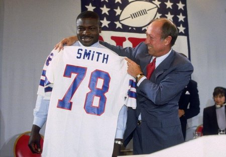 In 1985 the prize was??? Yup you guessed it Brucee!!!!!! - Photo via www.buffalobills.com