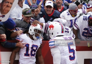 Harvin grabs the Bills first passing touchdown of the season. Generated by IJG JPEG Library